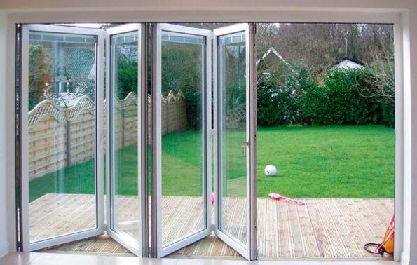 Elige el mejor estilo para los ventanales de tu jardín, terraza o patio