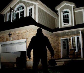 Implementa la seguridad de tu hogar en vacaciones