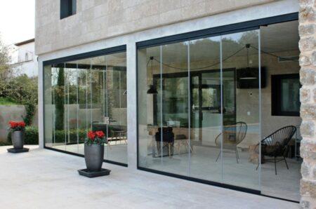 ¿Qué son las cortinas de vidrio?