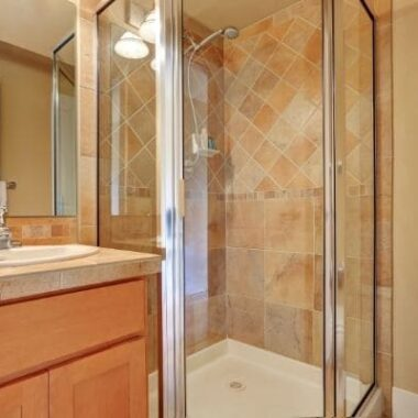 ¿Cómo mantener las mamparas de tu baño como el primer día?